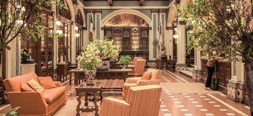 Featured image Advantages of different venue types Hotels - Advantages of different venue types